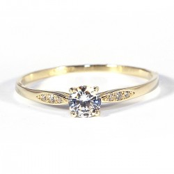 Prsten se zirkony